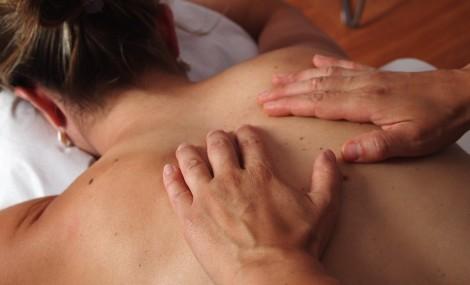 Soulager les douleurs du dos après l'accouchement