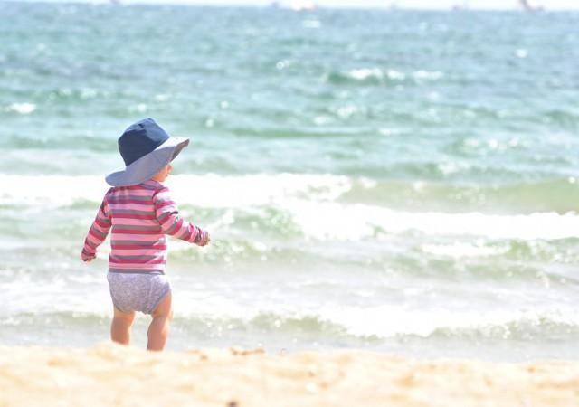Protéger bébé de la chaleur et du soleil