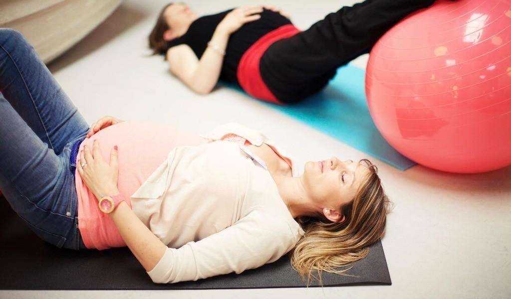 Atelier-yoga-prenatal-Mum-to-be-Party-Lyon-1bis