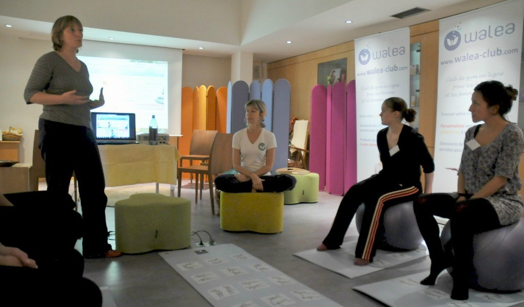 Atelier-Yoga-post-natal-rencontre-jeunes-mamans-After-Mum-to-be-Party-01