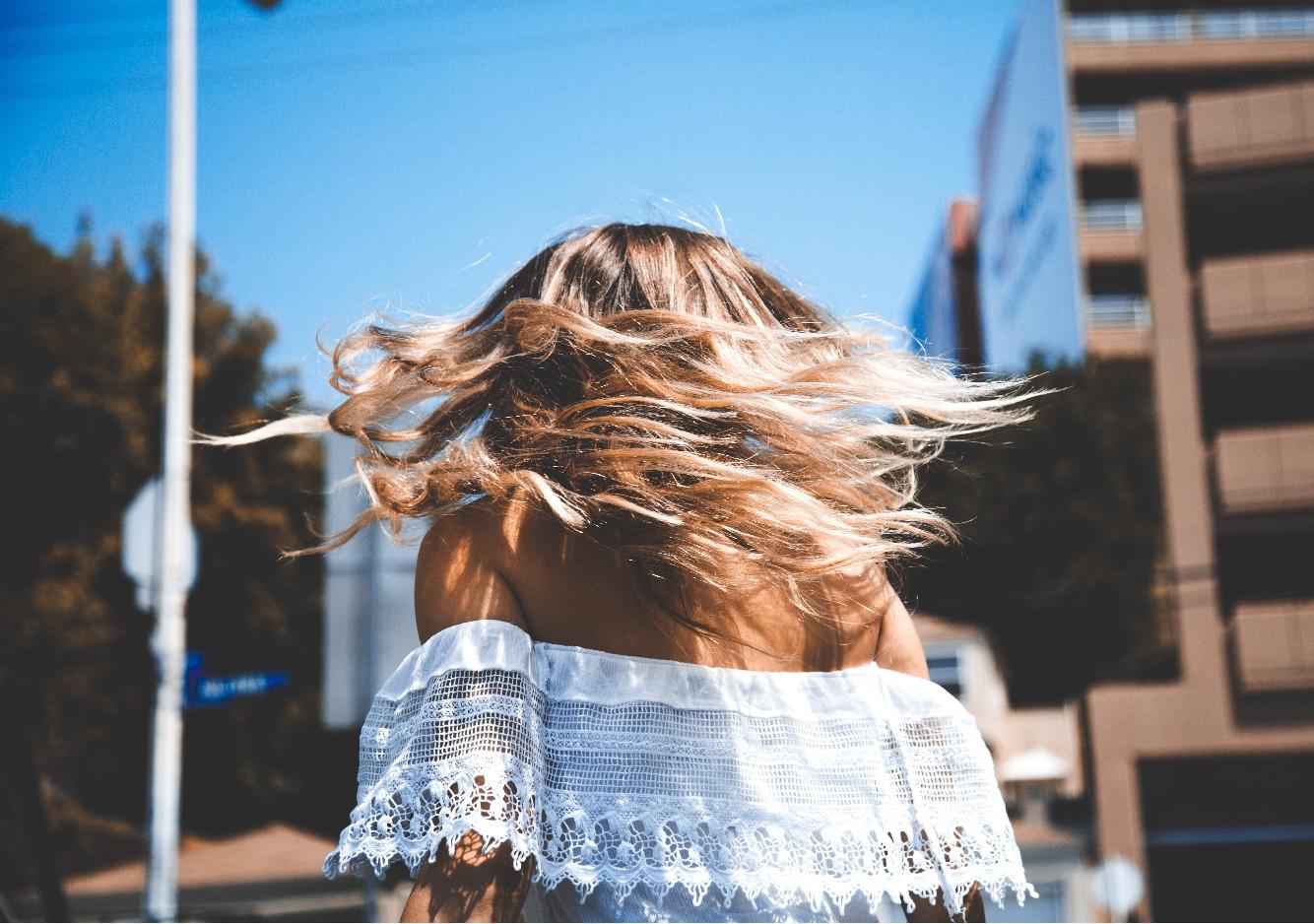 Quelles coiffures rapides et tendances pour jeune maman?
