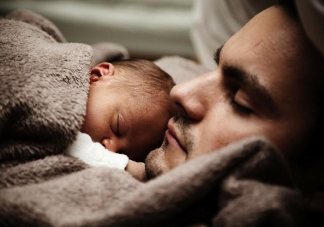 Quelle place pour le papa pendant l'allaitement ?