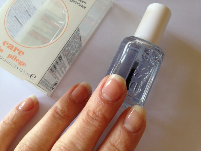 DIY-manucure-Essie-Clambake-all-in-one-blanc-mum-to-be-party_2