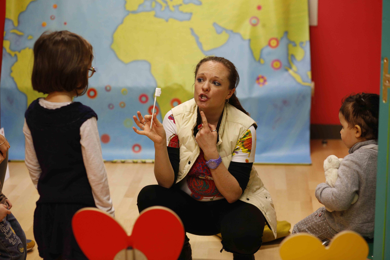 Ecole de langues Kids & US pour les petits a partir de 1 an. Apprentissage de l'anglais et de l'espagnol de maniere ludique.