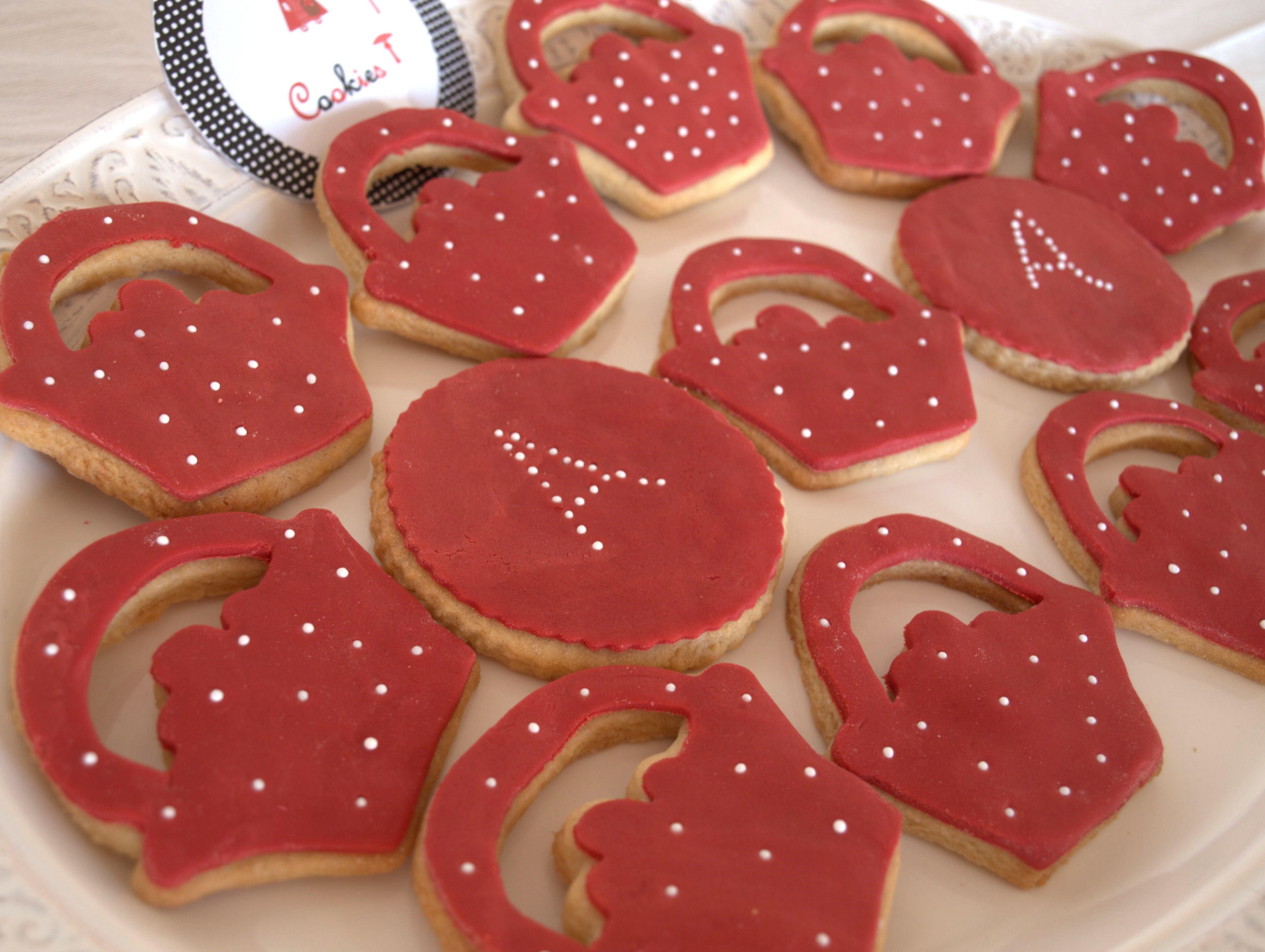 biscuits-decores-anniversaire-panier-chaperon-rouge-enfant-mumtobeparty