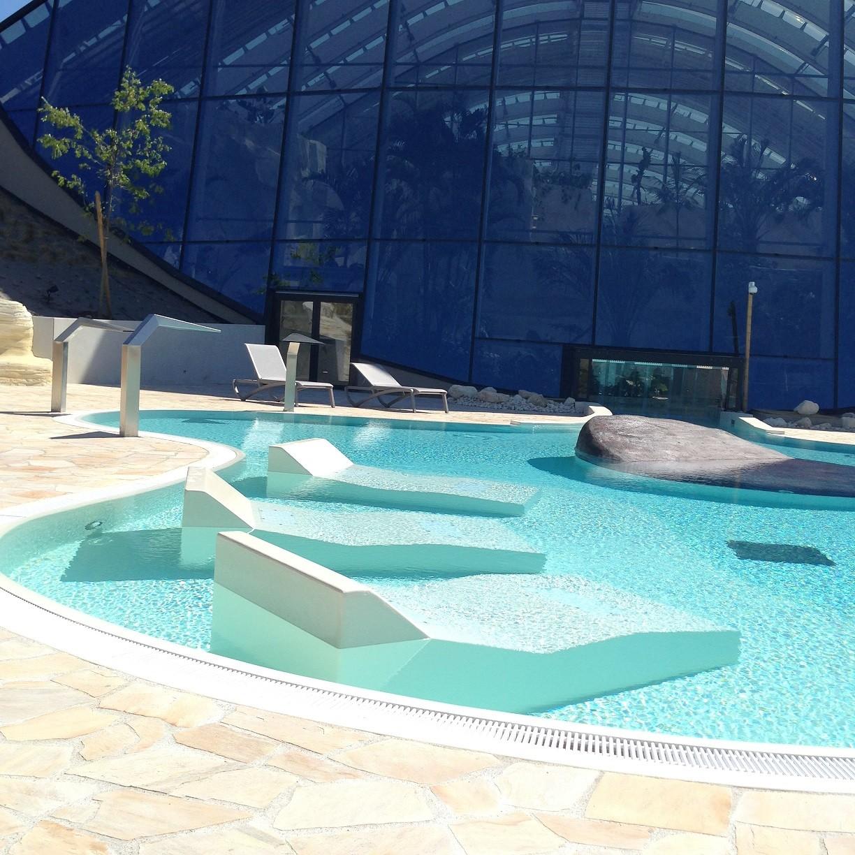 Avis s jour famille domaine bois aux daims center parcs for Voir piscine