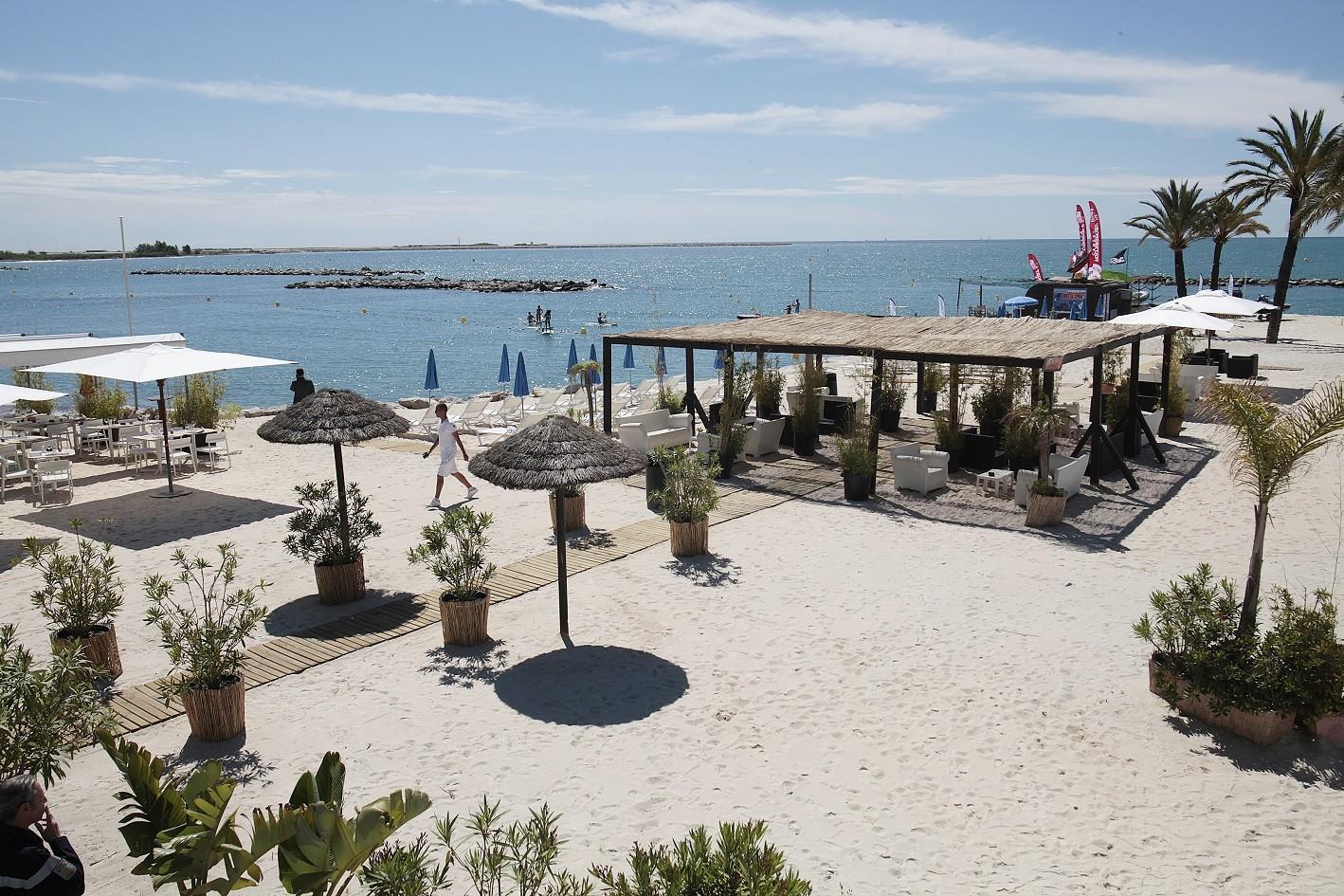 Bay-Star-Beach-holiday-inn-st-laurent-du-var_plage