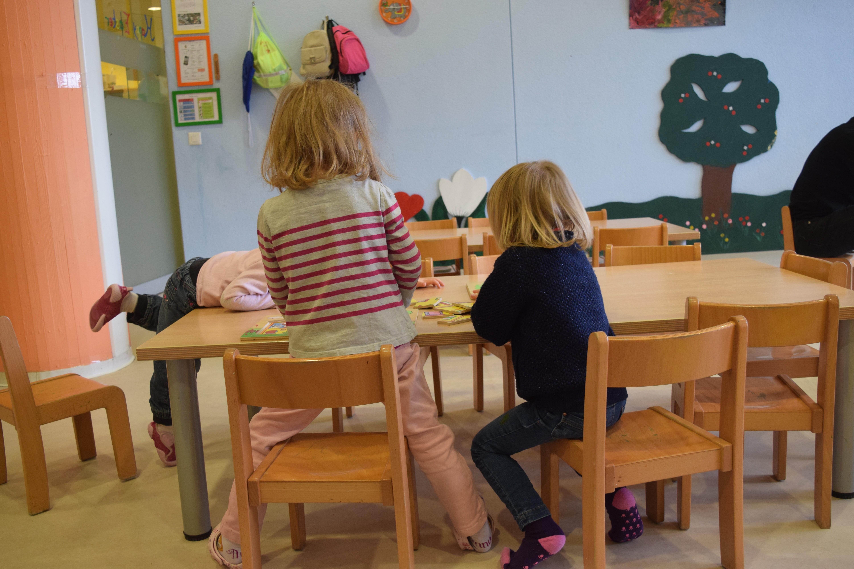 mode-garde-suisse-socialisation-enfant