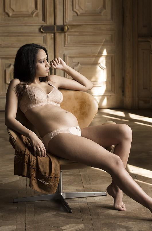 Soutien-gorge grossesse et allaitement sans armatures nude