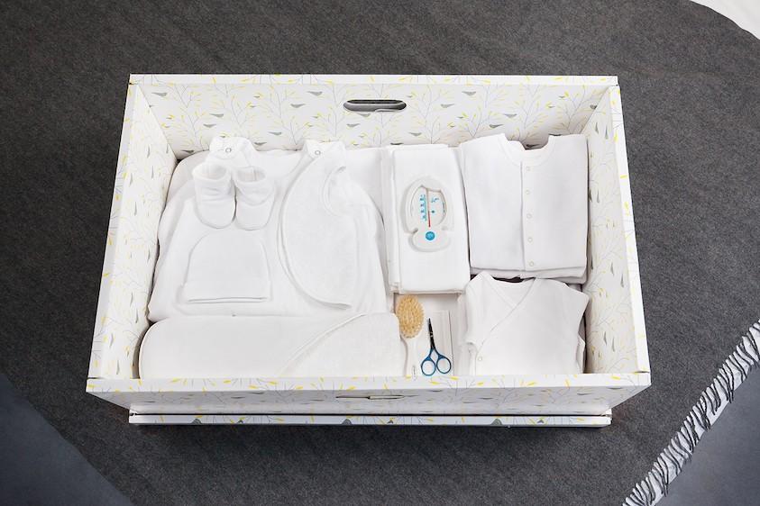 babybox_Happyn-est_valise_maternite_berceau_complete_plaid copie