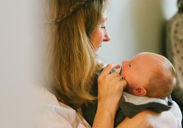 J'allaite et souhaite sevrer mon bébé : comment faire ?