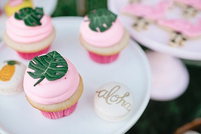 cupcake-baby-shower-tropical