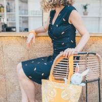 ⚡️[SUMMER VIBES]⚡️Le sac coffret beauté future maman printemps/été 2018 100% coton bio arrive lundi sur notre e-shop en deux coloris Orange Terracotta et Jaune Miel ! A l'intérieur des soins et accessoires pensés pour suivre vos déplacements avec bébé et chouchouter votre peau cet été à un prix canon. Un immense merci à @weledafr, @caudalie, @oxybuleveiletjeux, @mam_france, @laboratoire_svr, @renefurterer, @joone.paris, @lesvoyagesdingrid et @mintywendyshop pour leur confiance ! Pour découvrir en détail le contenu, cliquez sur le lien en bio