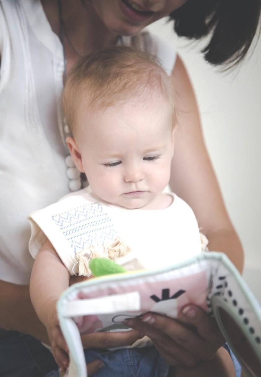 campagne-oxybul-eveillons-leurs-talents-eveil-enfants-mumtobeparty-livre-en-tissu2