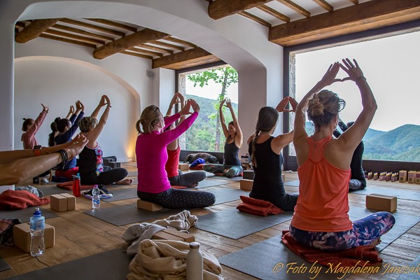 selfcare-retreat-for-women-yoga-class