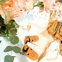[BLOOM] Magnifique collection signée @lauredesagazan pour @monoprix où finesse et détails nous charment : robes, chaussons, bodys, gilet, couronnes de fleurs stabilisées…de quoi trouver de l'inspiration pour les célébrations à venir. . Mention spéciale aux vêtements made in France repérés dans la collab. #monoprix #lauredesagazanxmonoprix #lauredesagan #kidsfashion #vetementsbebe #vetementsenfants #vêtementscérémonie #bapteme #mariage #tenuedemariage #tenuemariageenfant #fashion
