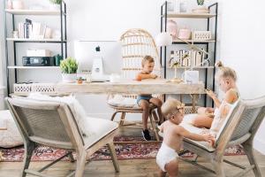 Travailler à la maison avec un bébé : une fausse bonne idée ?