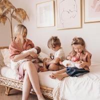[NURSING MOMENT] Chacun son bébé, chacun son repas ! Tétée, biberon ou… glace ! On adore ce joli moment d'allaitement plein de tendresse que @amberfillerup partage sur son compte. . #breastfeedingmum #breastfeedingmom #nursingmom #nursingmum #nursing #allaitementmaternel #allaitement #allaiter #mamanallaitante #mamanquiallaite #allaitement #allaiterpartouttoutletemps