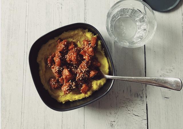 Purée de chou-fleur au lait de coco et curcuma avec Nourish Paris
