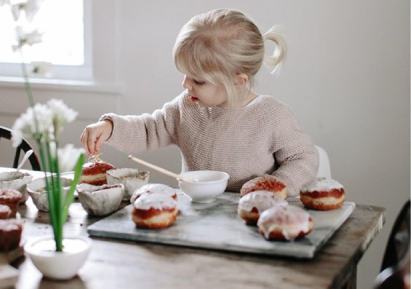 Consommation du sucre chez l'enfant : le vrai du faux !